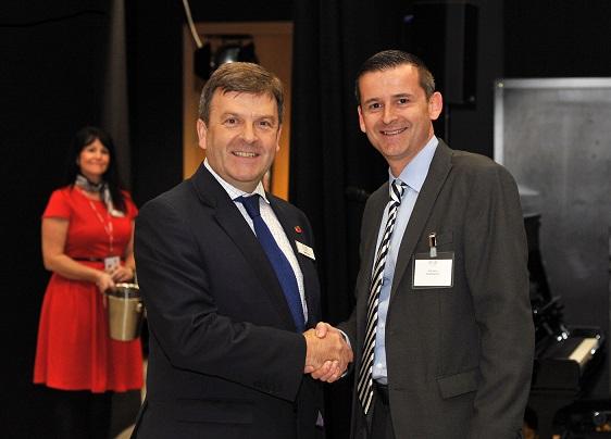 Mark and Alan Perry - Handlesbanken