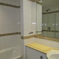 6 80 bathroom (002)